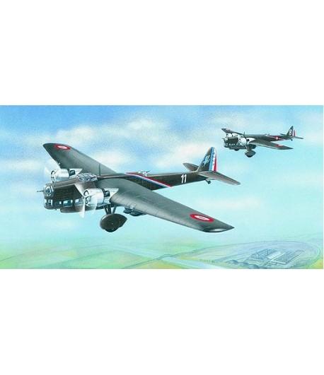 Самолёт Amiot 143 (1:72) SMER 0845