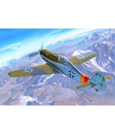 Самолет Focke-Wulf FW190D-9 1/48 HOBBY BOSS 81716