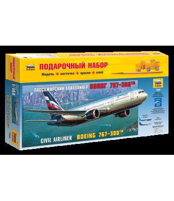 Пассажирский авиалайнер Боинг 767-300 (подарочный набор) ЗВЕЗДА 7005П