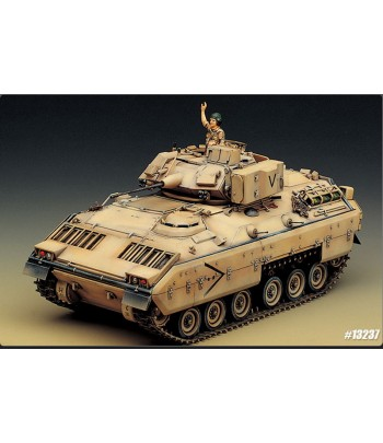 Боевая машина пехоты США M2 Bradley(1:35) ACADEMY13237