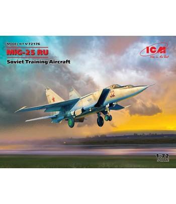 МиГ-25 РУ, Советский учебный самолет ICM 72176
