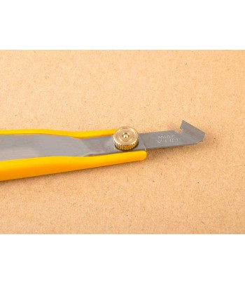 Резак (Скрайбер) для пластика MACHETE 0005