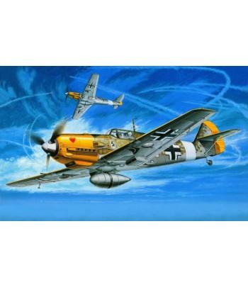 Немецкий истребитель Messerschmitt Bf109 E-4/7 Trop (1:48) TAMIYA 61063
