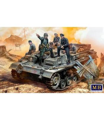 Фигуры, Экипаж немецкого StuG III. Период Второй мировой войны. 1:35 MASTERBOX 35208